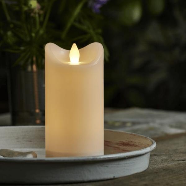 "LED Stumpenkerze ""Bianco"" - flackernde LED - H: 15cm - Batteriebetrieb - Timer - outdoor - weiß"