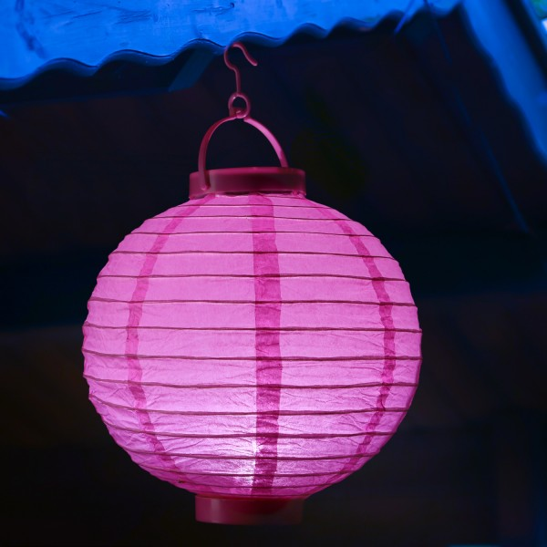 LED Lampion FESTIVAL - kaltweiße LED - D: 30cm - Montagehaken - pink