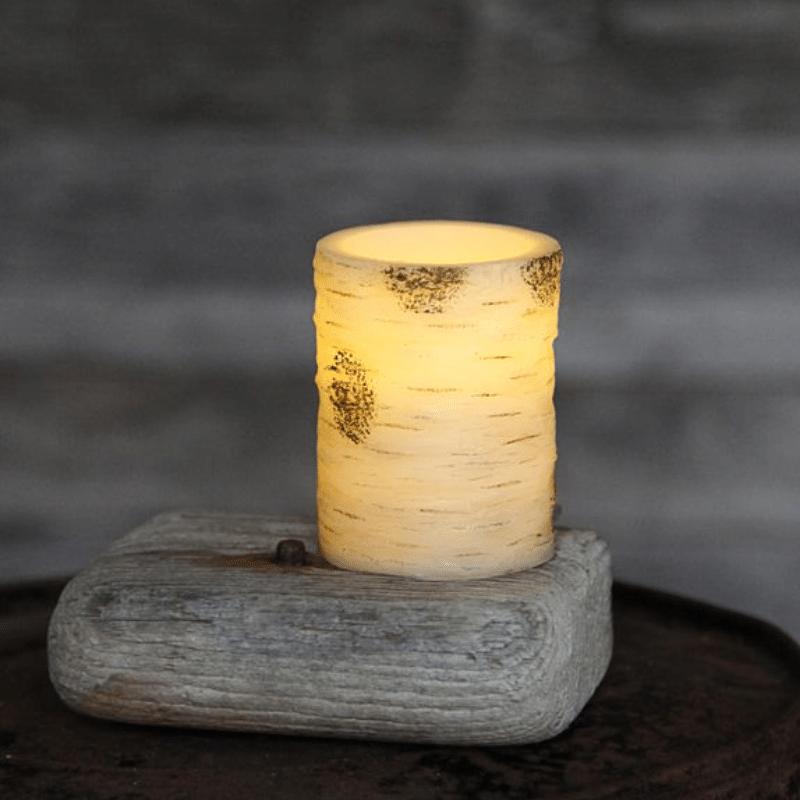 LED Kerze Birke - Echtwachs - Birkendesign - flackernde LED - Timer - H: 10cm, D: 7,5cm - creme