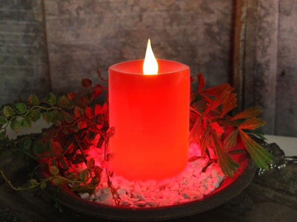 "LED Stumpenkerze ""Flame"" - Echtwachs - flackernde warmweiße LED - H: 12cm - Timer - rot"
