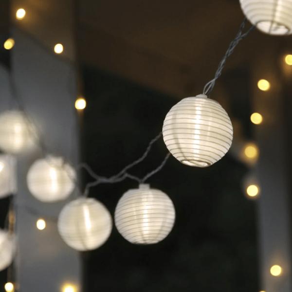 """LED Lichterkette """"Festival"""" - 10 weiße Lampions mit warmweißen LED - 4,5m - inkl. Trafo - 10m Kabel"""