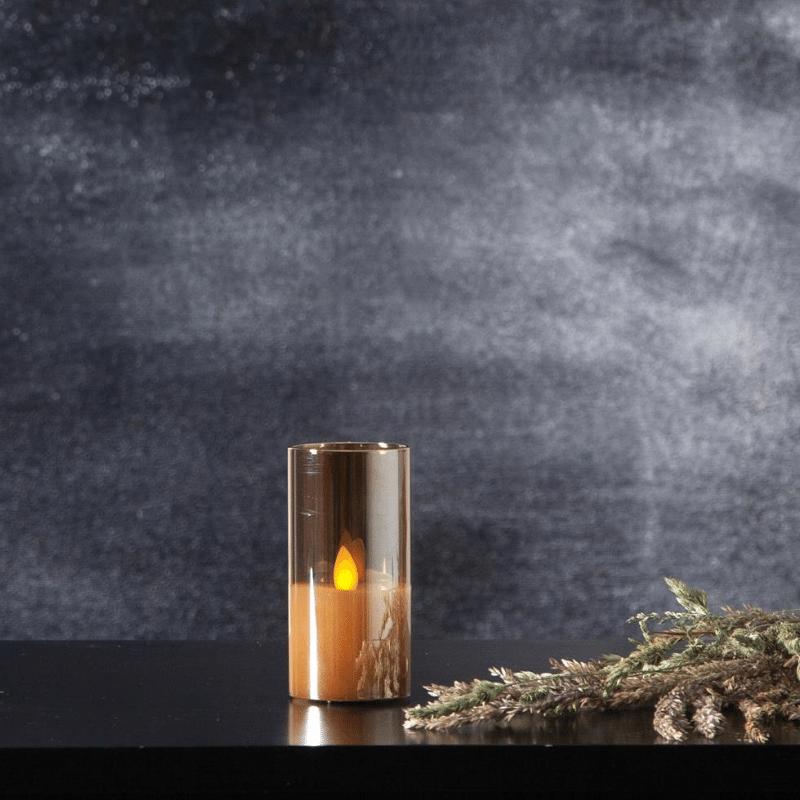 LED Windlicht Twinkle - Echtwachs - bewegte, gelbe Flamme - Timer - H: 10cm - goldbraunes Glas