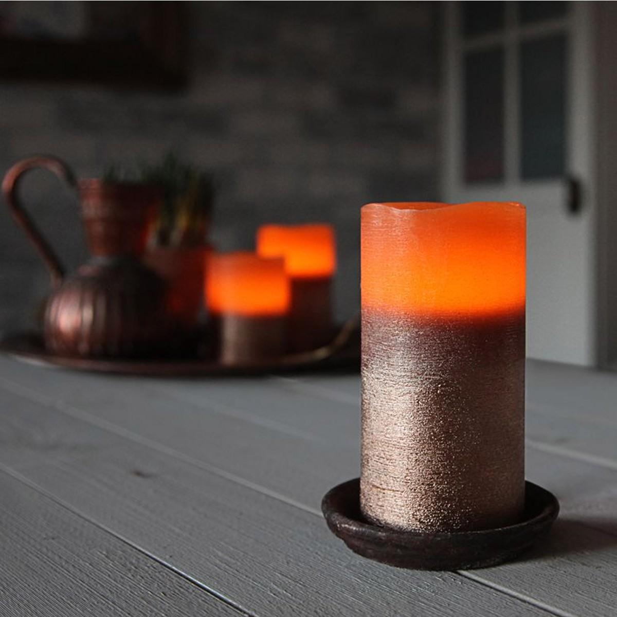 LED Kerze Cooper - Echtwachs - geschwungene Oberkante - flackernd - Timer- H: 12,5cm, D: 7,5cm